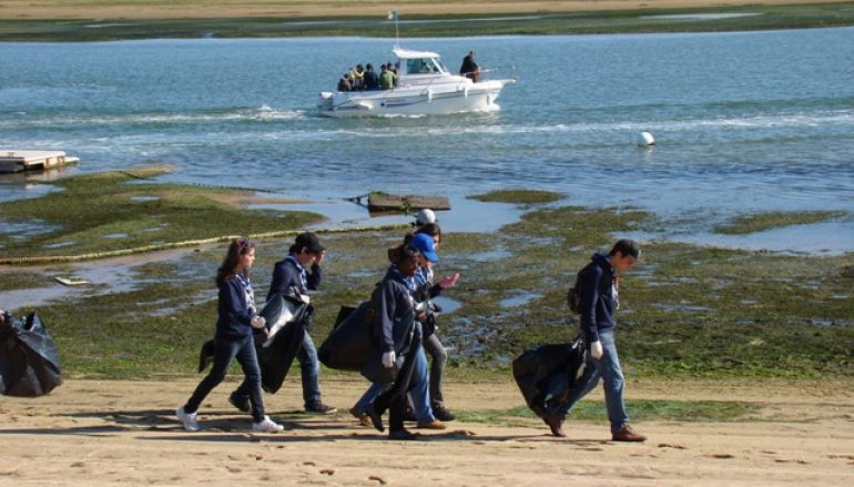 Oporto International School organiza Beach Cleanup Day na Praia Internacional
