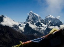 China limita número de alpinistas autorizados a escalar o Everest